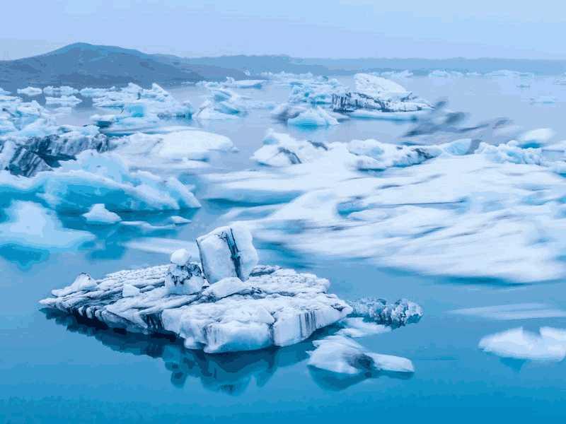 绿色冰山_Green Icebergs